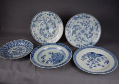 Five blue and white porcelain plates - China - 18th century