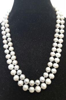 Long necklace - Freshwater-cultured grey pearls - Length: 120 cm