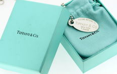 "Tiffany & Co - Sterling Silver ""Please Return To Tiffany New York"" Dog Tag Pendant Necklace, Circa.1990's - Length : 89.5 cm"