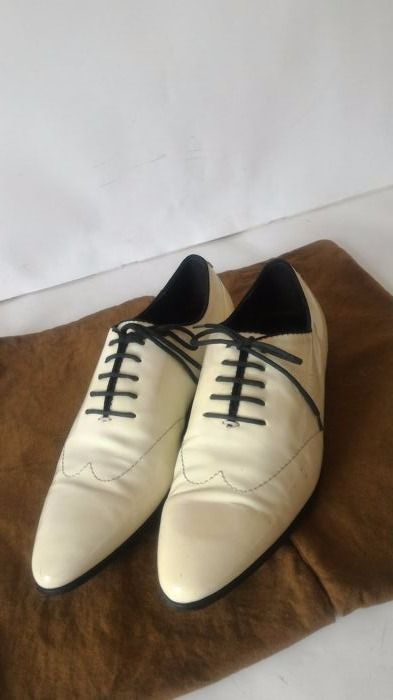 Gucci Elegant Glossy-Leather Shoes