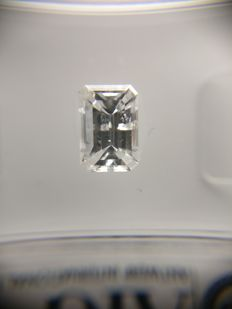 0.69 ct Emerald cut diamond D SI2