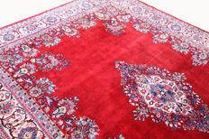 A beautiful Sarough Saruk mirror medallion Persian carpet in red 3.50 x 2.42 top quality / condition