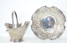 Silver plated open work bowl, H. Hooijkaas and silver plated bucket with handle, Douwe Egberts