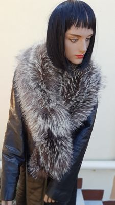 Extra-large Silver Fox Fur Stole - Made in Italy