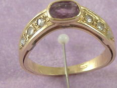 Antique-style ring with ruby and 0.30 ct diamonds -- 18 mm