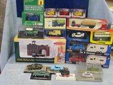 Corgi / Lledo / Others - Scale 1/76-1/36 - Lot 20 models: Aston Martin, Range Rover, AEC, Fiat,Ford, Lotus,Subaru, Morris Mini and others