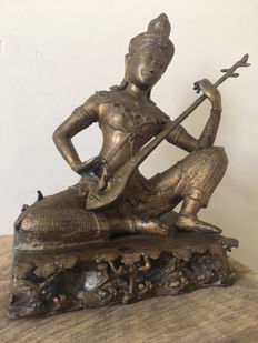 Bronze sculpture with Pipa – Thailand – late 20th century