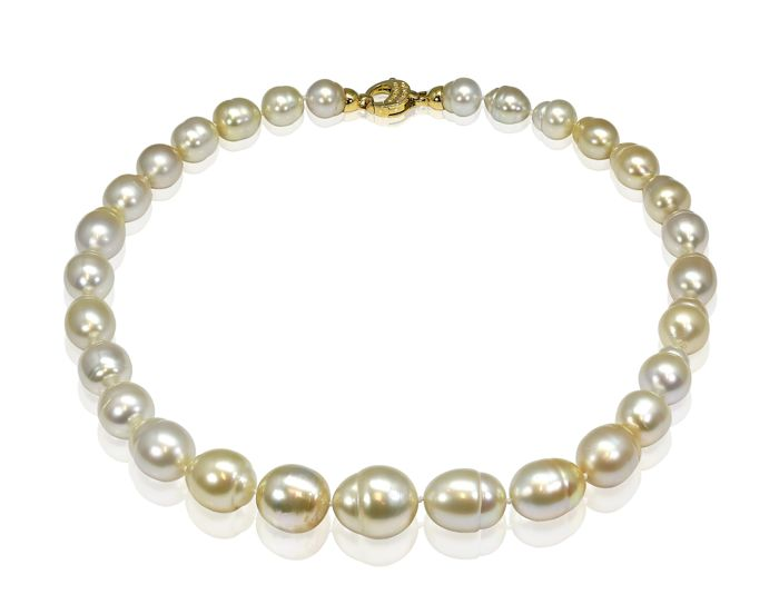 Organic Golden South Sea Pearl Necklace Baroque Shaped featuring a Yellow Gold Clasp with 0.15Ct VS Diamonds
