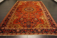 Antique Persian carpet Bidjar 220 x 320 cm made in Iran natural dyes