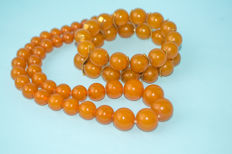 Baltic Amber set of necklace and bracelet, honey butterscotch egg yolk color, weight: 89 gram