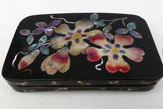 Mother of Pearl inlaid - black tin lacquered box - hinged - ca. 1875