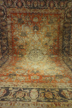 Old antique Persian palace carpet Kashan made in Iran natural colours 150 x 220 cm
