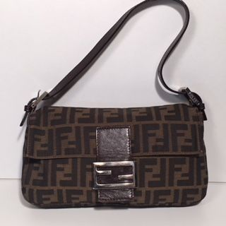 caa0357d31 Fendi – Vintage monogram Baguette Handbag   Shoulder bag - Catawiki