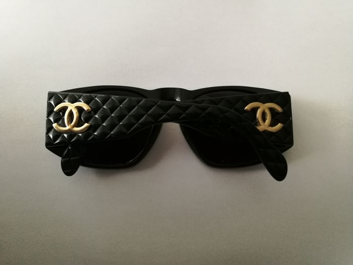 5b813a0498052 Chanel - CHANEL Sunglasses - Vintage - Catawiki