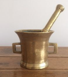 Mortar and pestle in bronze - end of the 18th century
