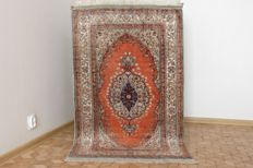 Original & Beautiful Kayseri hand knotted148x90 cm silk Top condition & Quality with certificate