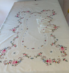 Hand-embroidered table linen