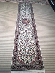 Persian Sarough runner! Oriental carpet / 100% hand-knotted, perfect condition, rarity