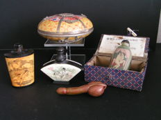 Various; Lot with 5 Oriental erotica items - late 20th century