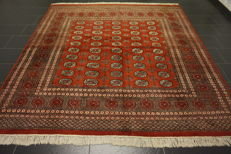 Magnificent hand-knotted oriental carpet, Bukhara Jomut, 250 x 260 cm, made in Pakistan, middle of the 20th century