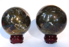 Pair of spheres of pyrite - 8.1 and 9 - 2.852 Kg (2)