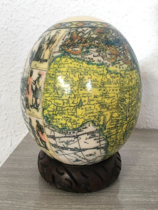 Globe - ostrich egg - around 1980 - Cabinet of curiosities