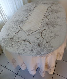Banquet tablecloth linen - (2.60 m x 1.65 m)  + 12 napkins - complete hand made embroidery