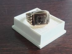 Vintage 14K gold ring , signet ring with monogram engraving, No Reserve price