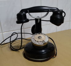 Antique telephone by Dunyach Leclert of Paris, model 1924
