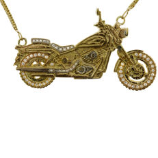 Large One-off Gold and 1.40ct Diamond Motorcycle Necklace, as new.-18kt yellow gold (65.2 gram)- chain is 72 cm long