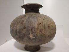 Egg-shaped Olla - Size cm 23.5 x 24 x 15
