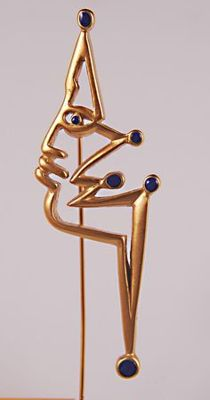 Surrealistic vintage 18 k gold plated pin Le Boudeur, design by Jean Cocteau (1889-1963, Maison-Laffitte),