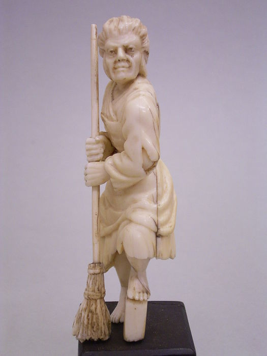 Ivory sculpture of a woman with broom - Germany - late 18th century