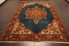 Royal oriental carpet Heriz 210 x 290 cm, made in Iran