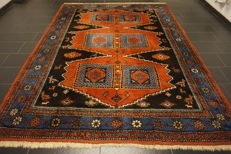 Collector's item, hand-knotted Persian carpet, Qashqai, nomad carpet, wool on wool, made in Iran, 250 x 330 cm
