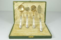 Dessert serving utensil boxed set - four pieces with silver handles, France