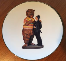 Jeff Koons - Bear and Policeman