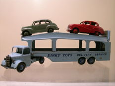 Dinky (Super)Toys - Scale approx. 1/43 - Lot with Bedford Pullmore CarTransporter No.982, Loading Ramp No.794, Austin Devon No.40D and Austin Somerset No.40J