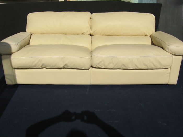 Tito Agnoli for Poltrona Frau - 'Petronio' sofa with three armchairs