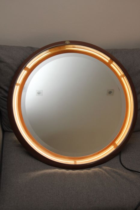 Cidneo - Round Backlit Mirror