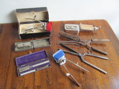 Lot of 7 old hairdressers accessories