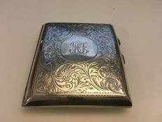 Silver scroll engraved cigarette case - W.J. Myatt & Co - Birmingham - 1918