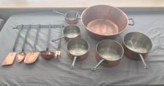 Set of five quality cooking pots in tinned copper, iron handle plus series cooking utensil and 1 jam jar