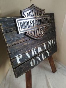 Parking only H-D sign - unique handcrafted item made for pub-garage - from the 90s