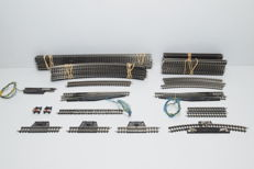 Märklin Z-8500/8505/8592/8530 and more - 56-Piece batch with rails and switches