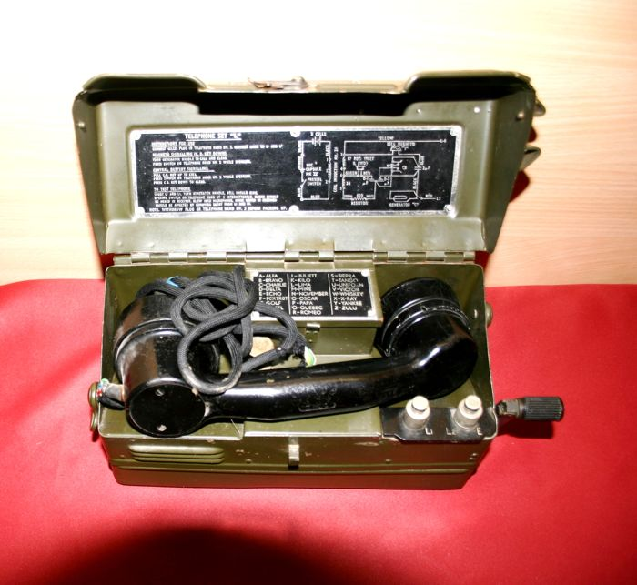 "Field phone by British army """" Telephone Type ' L ' Mk1"