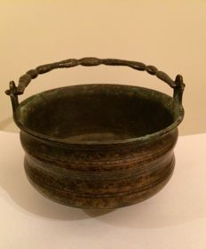 Persian Khorasan bronze cooking pot (cauldron) - Central Asia - 16/17th century