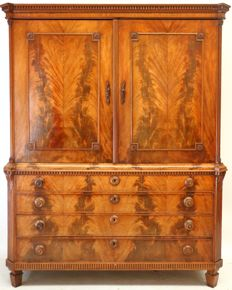 A Louis XVI mahogany cabinet - The Netherlands - ca. 1800