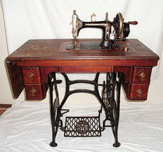 Sewing machine: A pedal sewing machine, by Durkopp Wilhelmina, the Netherlands, 1898