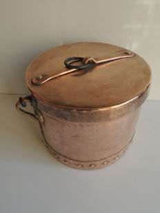 "France; large copper covered cauldron - ""Wolf teeth"" montage- 18th century"